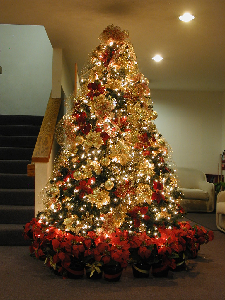 7 5 Ft Red Gold Christmas Tree A 7 5 Pre Lit Tree Decor Flickr