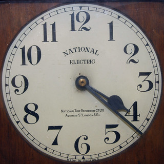 clocking in/out clock | by Leo Reynolds