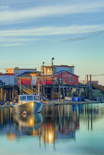 reflection restaurant maine explore hdr lobsterboat baileyisland buoyant 3exp cooksrestaurant impressedbeauty