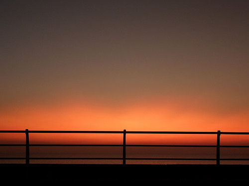 pink sunset red sky orange beach silhouette fire coast twilight lowlight glow sundown dusk horizon structure lancashire casio burning reflect shape railings blackpool luminous irridescent oblivion fylde edgeoftheworld exp600 explored surrealglow