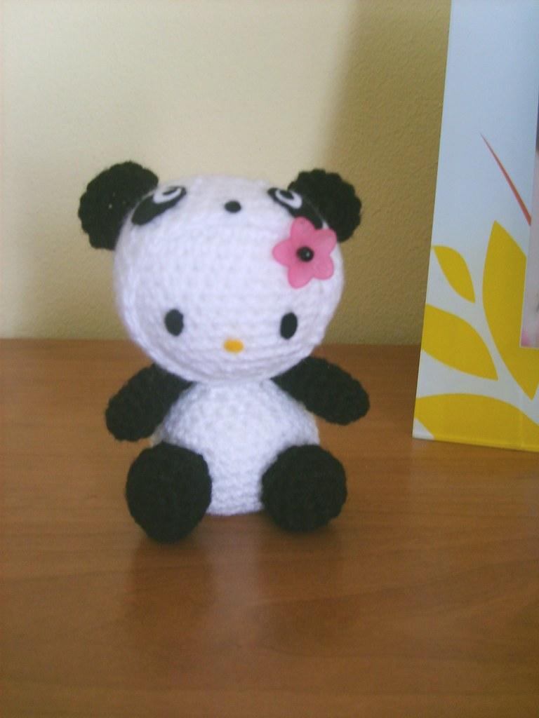 Hello Kitty Amigurumi Inspiration Photos & How to Create Your Own ... | 1024x768