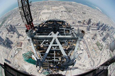 Burj Dubai crane cam #1 | Burj Khalifa | Flickr