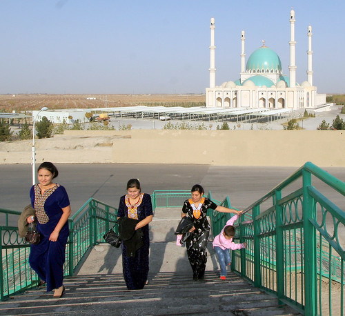 Mosque and visitors returning home, at Geok Tepe, site of the 1873 defeat of Turkmen forces by the Russian forces, Turkmenistan, November 18, 2007 | by Ivan S. Abrams