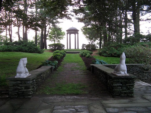 between the lions at wethersfield | by jahansell