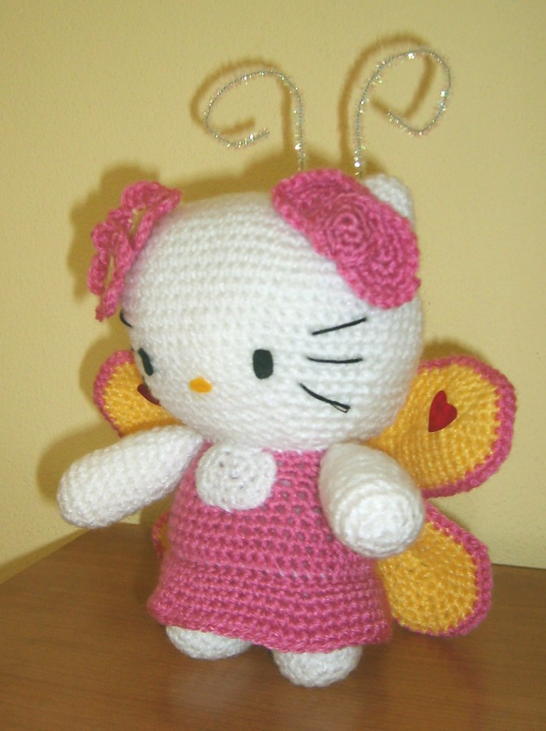 Hello Kitty Amigurumi Inspiration Photos & How to Create Your Own ... | 1024x764