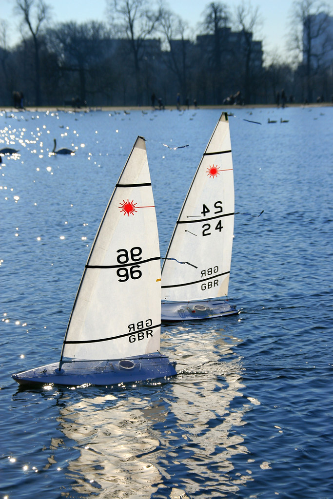 Rc Laser Class Sailboats Fighting For The Line Img 617