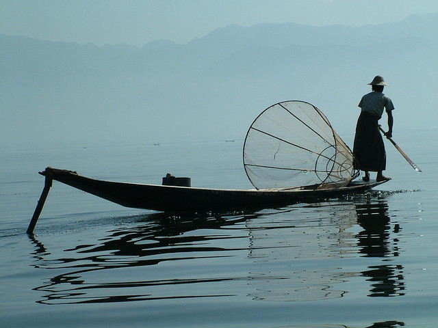 Behind the fisherman on the Inle Lake (3)
