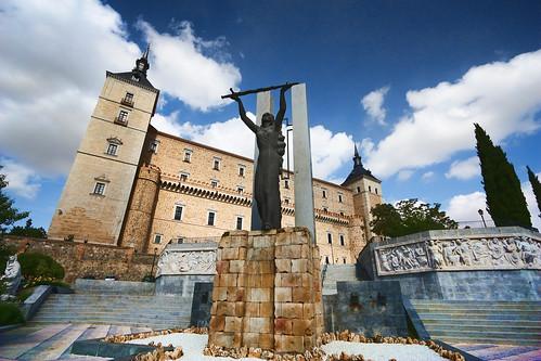 Alcázar of Toledo   by trioptikmal