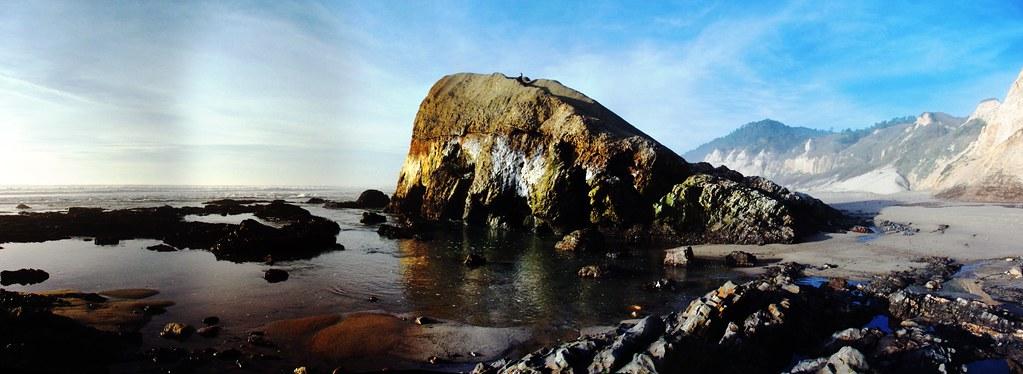 Greyhound Rock by tychay