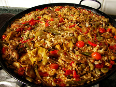 paella de habas y sin azafrán... lista para servir. | by pablovenegas