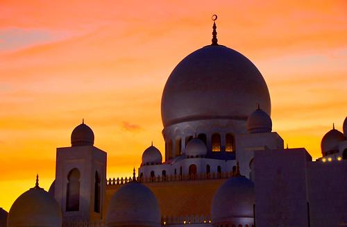 mosque mosquée sheikhzayedmosque mez uae em emirats ab mus musulman isla beauty sky suns couc jau oran cie explored explore