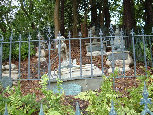 Haunted Mansion Pet Cemetery Magic Kingdom Disney World | by mrkathika