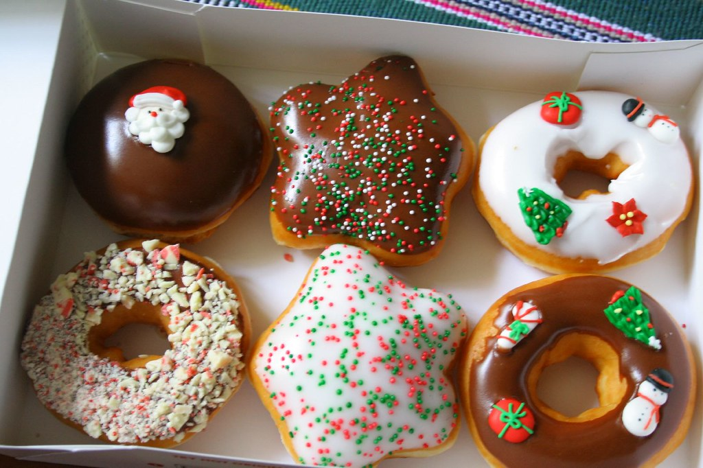 Krispy Kreme Christmas Doughnuts.Krispy Kreme Christmas Donuts Just Delivered Right To My D