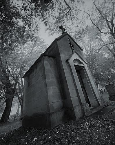 bw grave wisconsin cemetary tomb 4x5 delta100 crypt ilford largeformat thill sepulchre 65mm portwashington shenhao portwashingtonwi