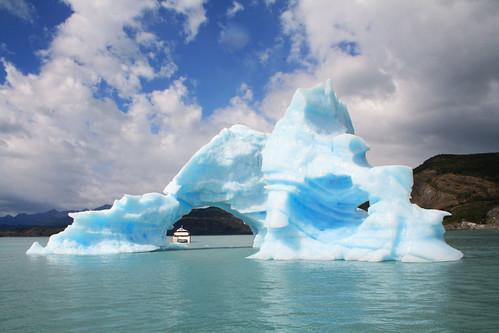 Iceberg del Glaciar Upsala   by inFausto