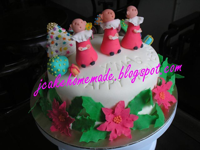 Christmas Carolling cake