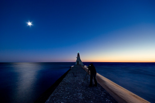 longexposure nightphotography moon ontario night lakeerie greatlakes lightroom sigma1020mm erieau southwestontario bobwest k10d gamay310