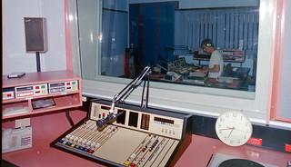 Image5_alice-springs-radio-studio | Ian Jamieson ...