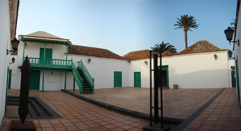 Casa de la Cultura Benito Perez Armas patio interior Yaiza Lanzarote Islas Canarias 15