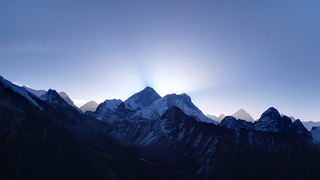 Mt Everest from Gokyo Ri | by phobus