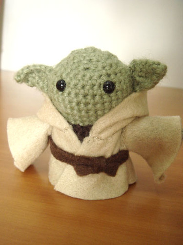 Space Pod for Yoda Amigurumi! - Free Pattern - Ami Amour | 500x375