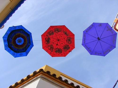 3 paraguas en la calle Imagenes | by Rafael Jiménez
