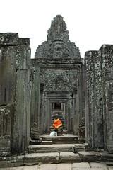 Doorways,_Buddha_4_@_Bayon,_Angkor_Thom