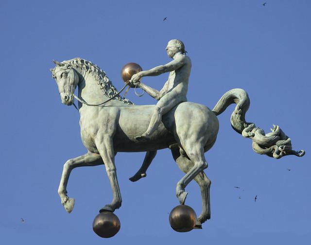 El caballo por los aires  - El instante preciso - EXPLORE  May 3rd,  2008