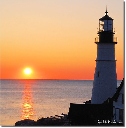 ocean light sun lighthouse sunrise reflections portland maine atlantic photoart portlandheadlight aplusphoto worldwidelandscapes bestcapturesaoi shacklefordphotoartcom shacklefordphotoart donnieshackleford