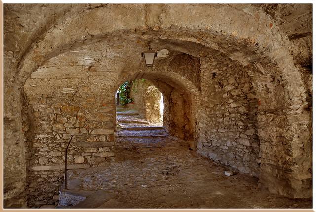 D'arche en arche - Triora (Ligurie) - Italie