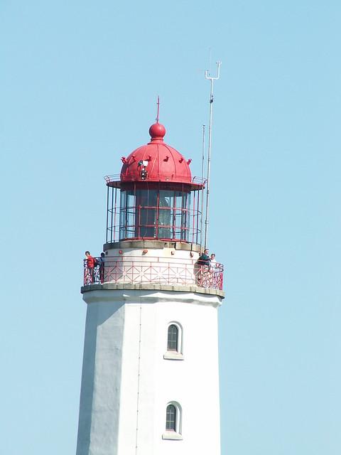 War bessrer Rath in Kloster bei Dornbusch über Nacht gekommen wenn vom Leuchtturm ein Kaperschiff nach Algiers fernen Buchte rings zur See, zu Land, vergebens suchten alle, die sie suchten, ein Sonnenstrahl, der glänzte und entschwand, Ein Liedesklang, der tönte und verwehte, ein grünes Blatt, das heut im Wind sich drehte, und morgen führt der Sturm es übers Land 086