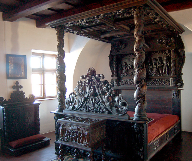 Beautiful Carved Bed Bran Castle Supposedly Dracula S