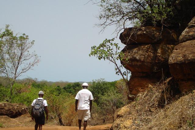 Humanitarian Staff walking around Ndélé
