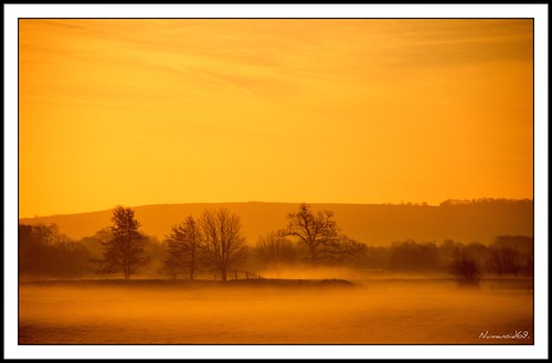 winter mist cold fog sunrise landscape dawn countryside frost gloucestershire daybreak icey riverfrome whitminster nikond300