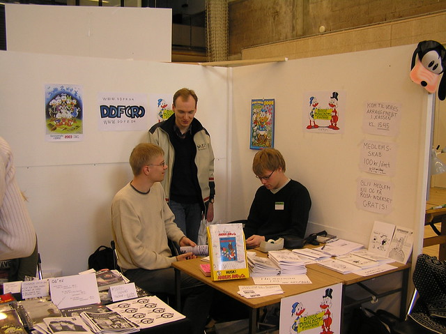 Komiks 2004 booth picture 2