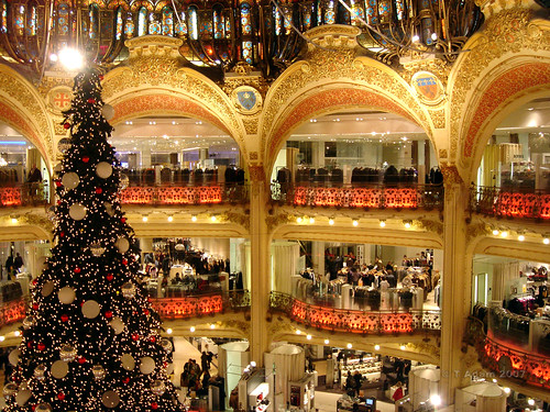 Paris: Christmas Tree at Galeries LaFayette | by colorsoftimeless