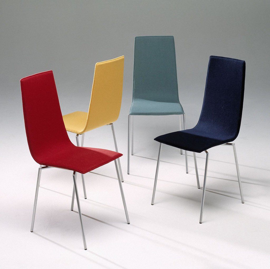 Cobra chair thom gill flickr for Sedie design 3d