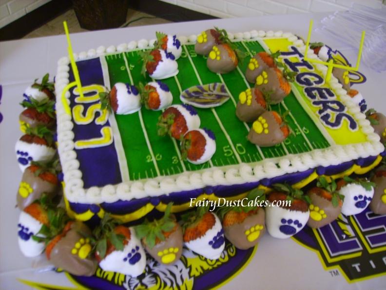 Astounding Lsu Football Field Cake A Photo On Flickriver Personalised Birthday Cards Veneteletsinfo