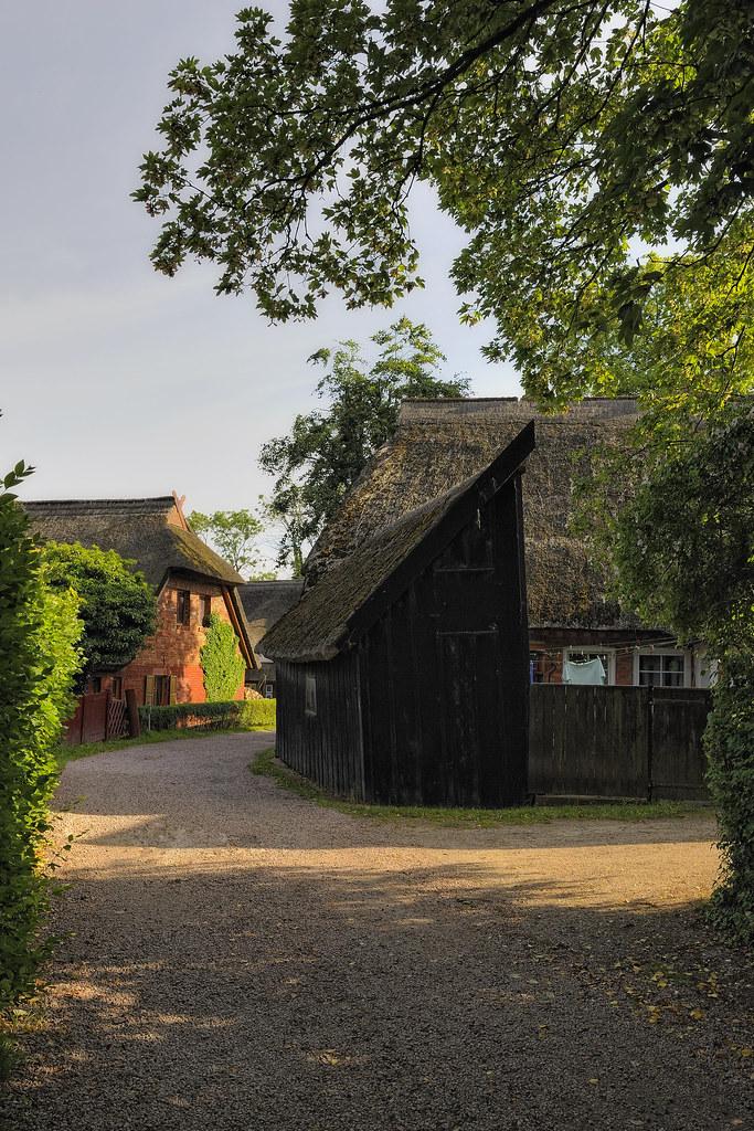 Ahrenshooper Häuser1