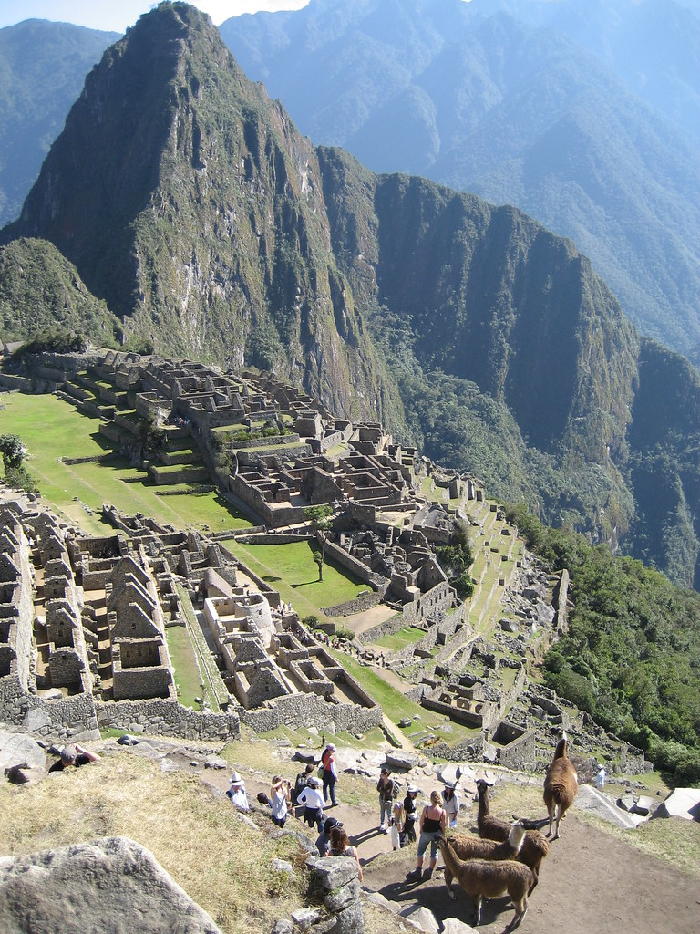 Overlook of Machu Picchu & Huayna Picchu