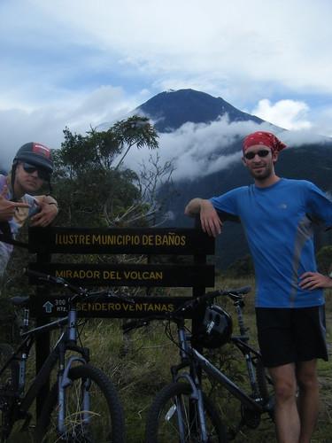 Vista de Tungurahua arriba de Baños | by tdepke
