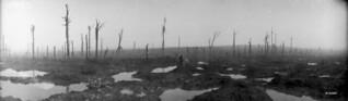 Passchendaele, Belgium, after the battle, now a field of mud, November 1917 / Champ de boue après la bataille de Passchendaele, Belgique, novembre 1917