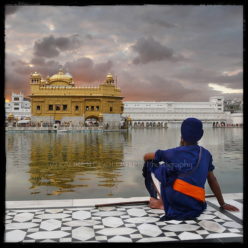 sunset sky people india reflection building heritage water architecture spectacular square temple faith religion atmosphere silence soul devotion sikh gurdwara punjab spiritual amritsar sikhism goldentemple khalsa भारत harmandirsahib