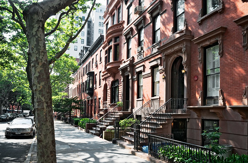 block view, Henry Miller residence (built c. 1899), 91 Remsen Street, Brooklyn Heights, New York   by lumierefl