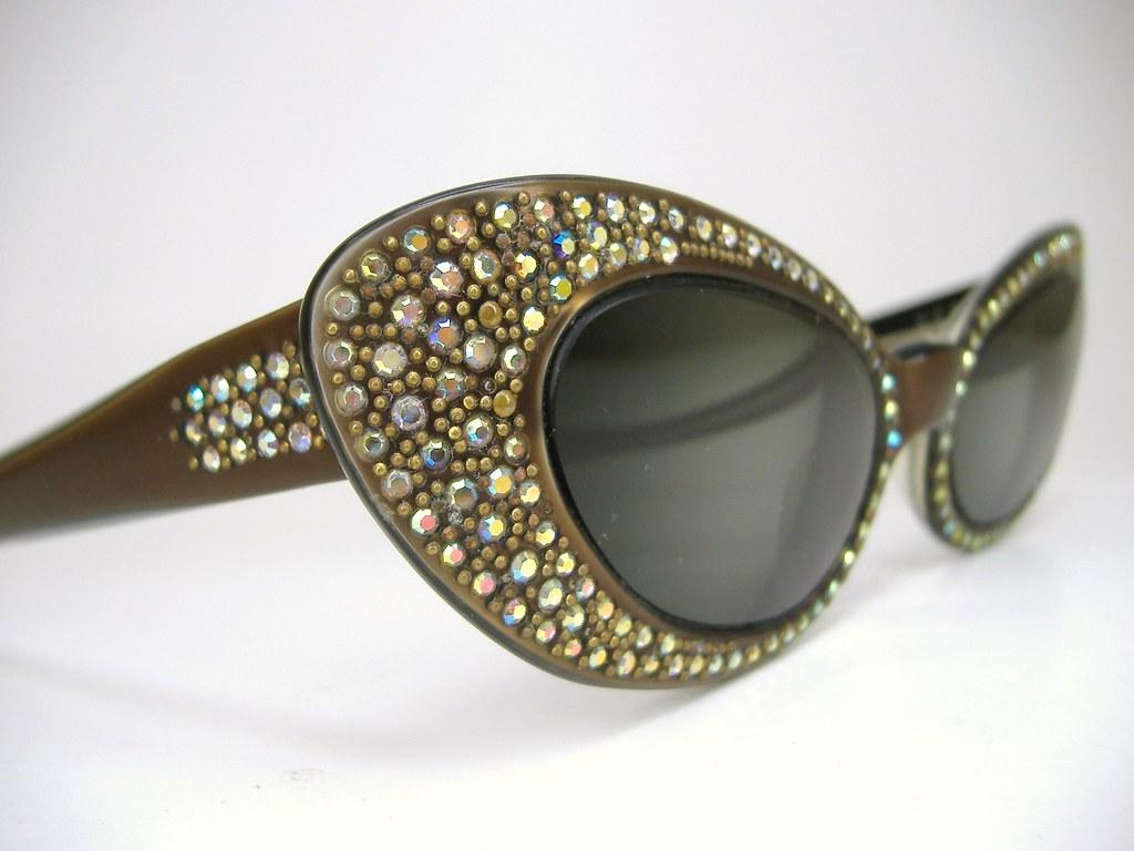 a332179978b4 ... vintage50seyewear Vintage Paris France Rhinestone Hollywood Glam Cat  Eye Eyeglasses