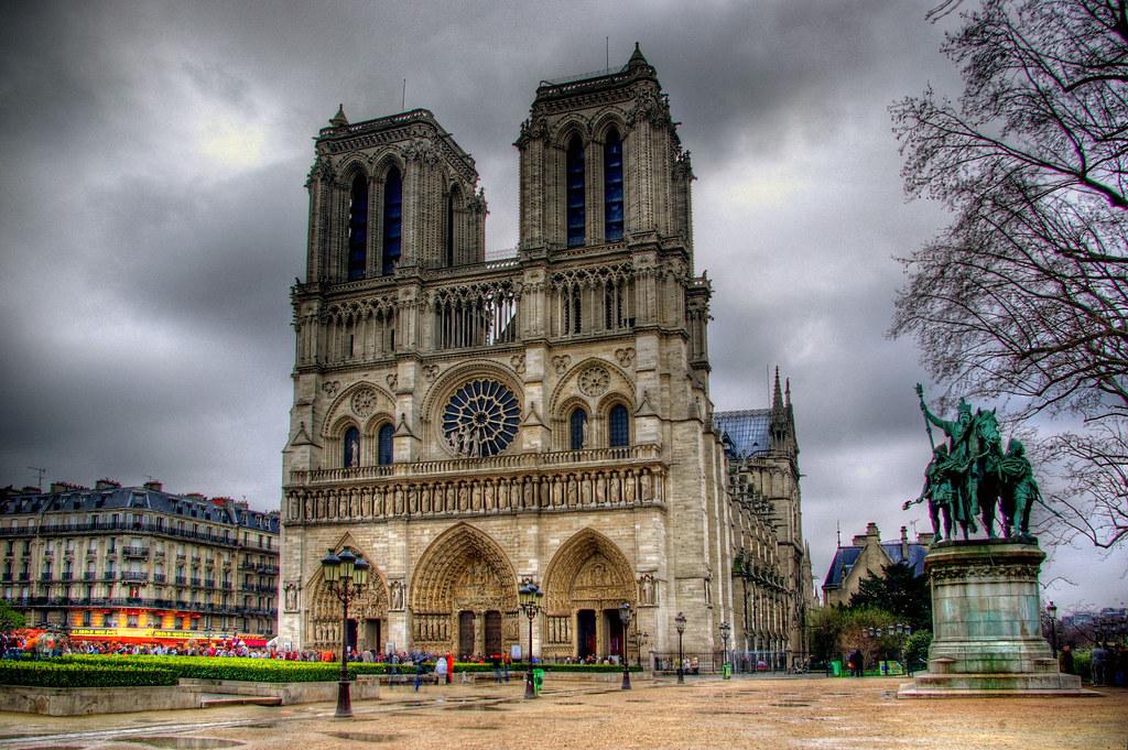Notre Dame de Paris by Delox - Martin Deák