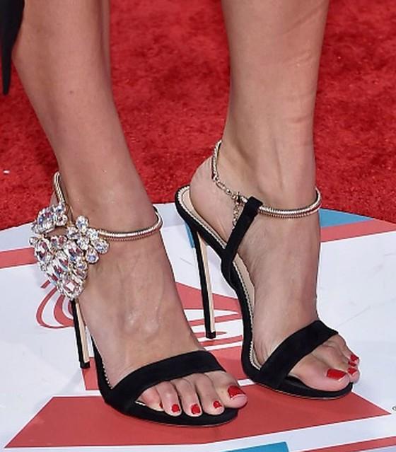 Feet & Shoes (3526)