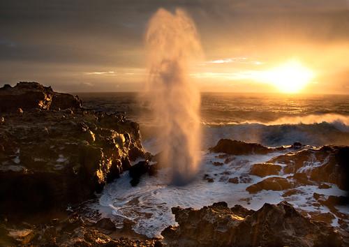 sunrise hawaii maui blowhole nakalele nakaleleblowhole nakalelepoint nikon2470mm nikond700