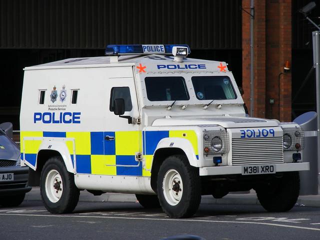 Police: Land Rover M381XRO Bedfordshire & Hertfordshire Police