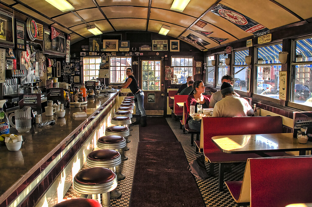 Miss Woo Diner Inside This Clearly Shows The Curved